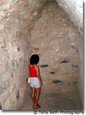 Inner chamber with face on wall